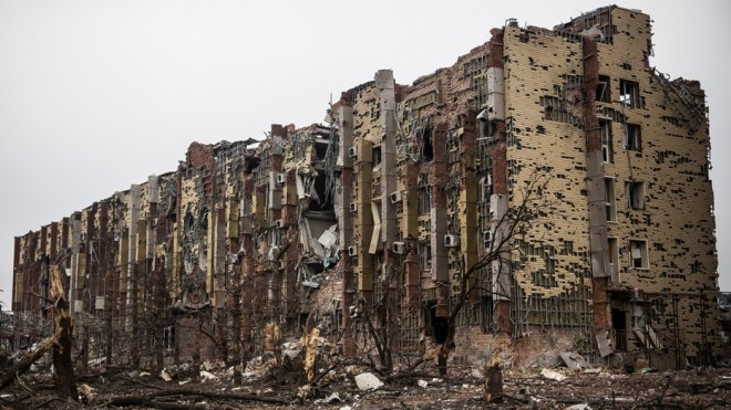 A damaged hotel near the Donetsk airport, Ukraine. Andrew Burton, Getty images.